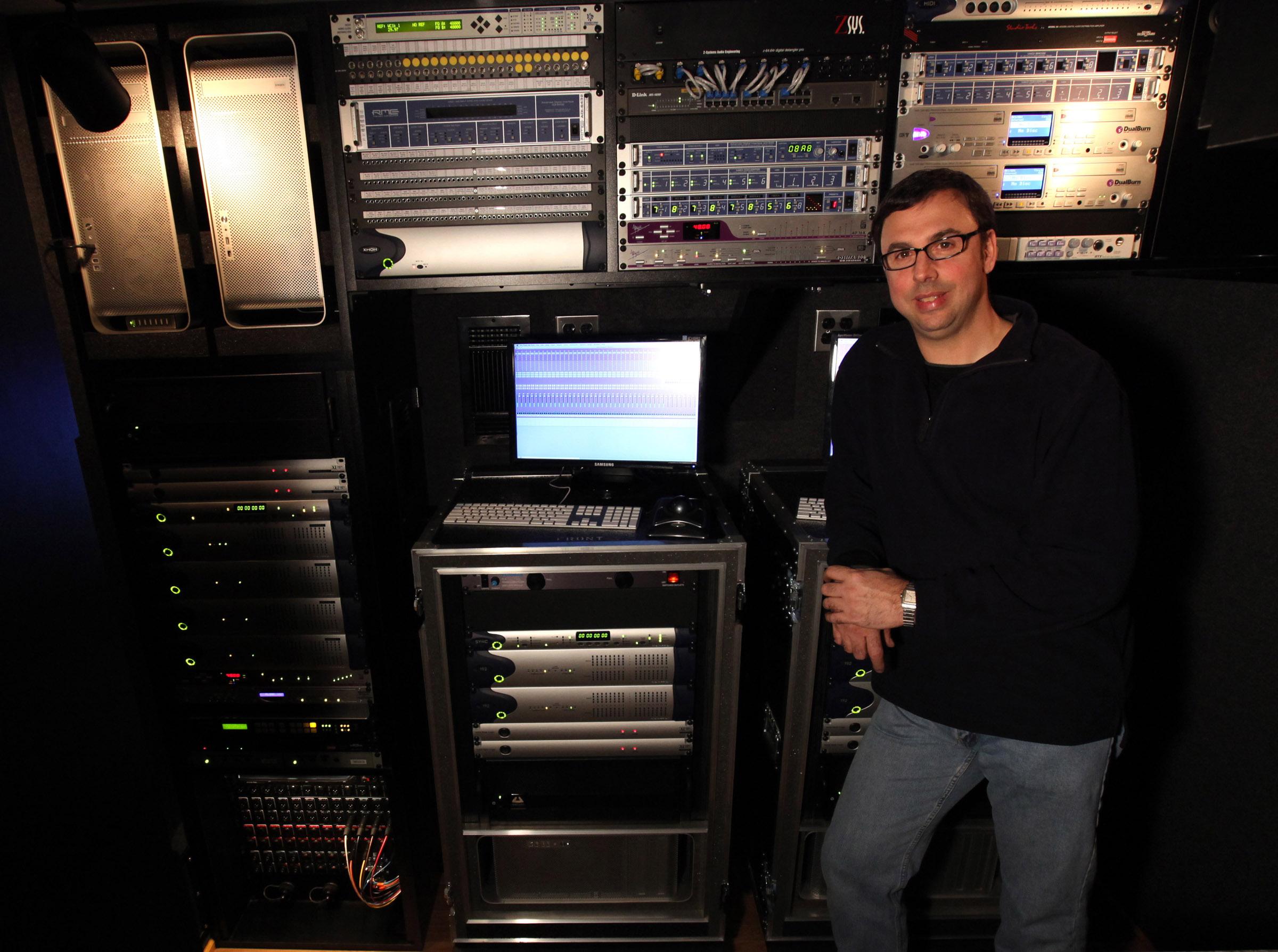http://www.clynemedia.com/Aphex/M3_Fall12/M3_Joel_Singer_Chief_Engineer.jpg