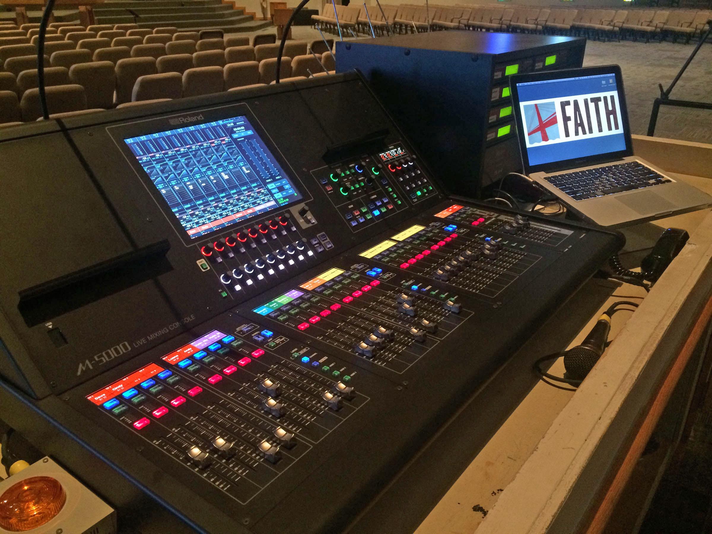http://clynemedia.com/Roland/ProAV_FaithLutheran/Faith_Oakville_FOH.JPG