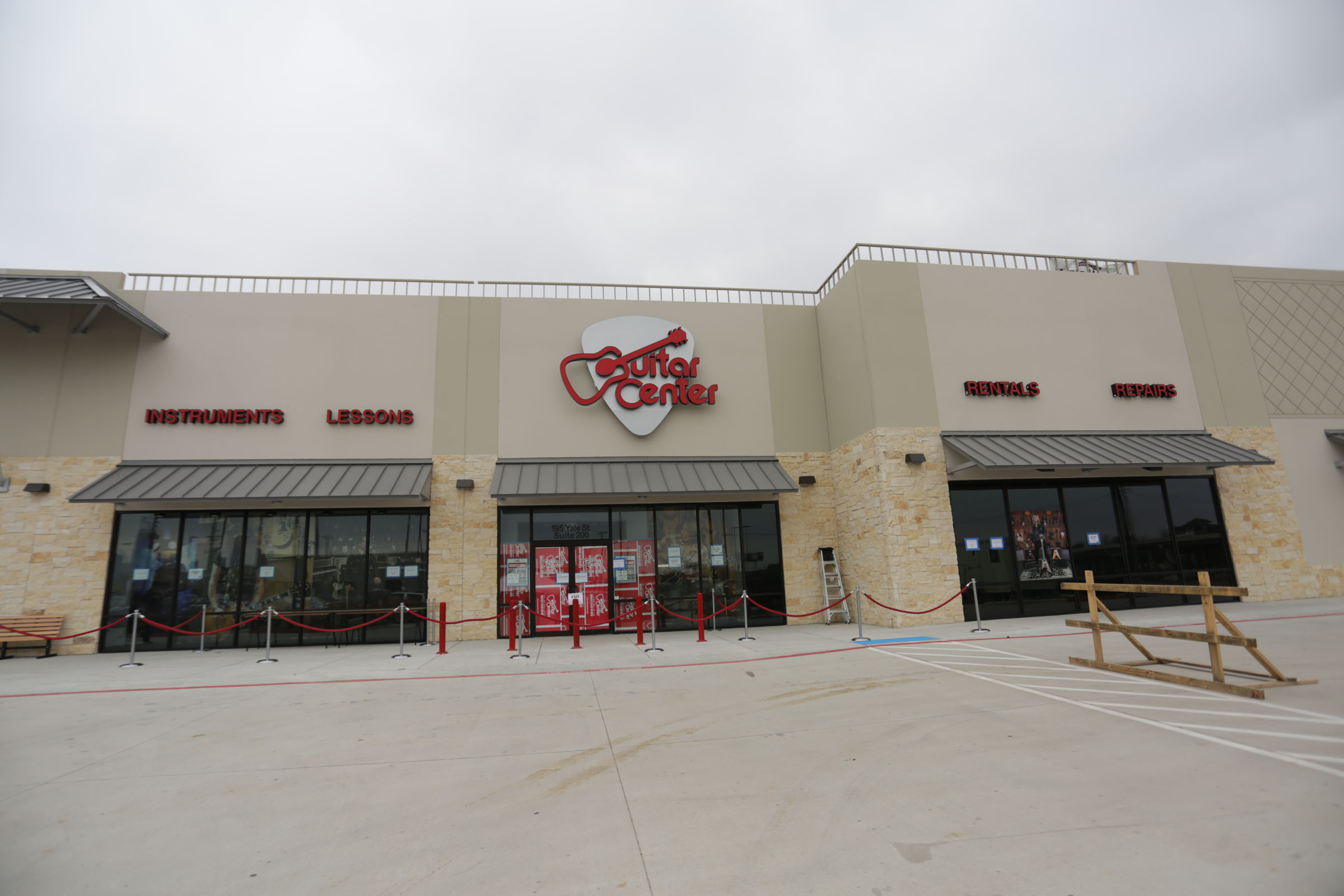 Guitar Center Central Houston can also help build a maintenance plan that fits you and your guitar or bass needs, including custom setups, restrings and more. We also take care of fret repairs, hardware and pickup installations, upgrades and customizations, bone and graphite services and more.